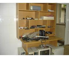 Obiecte de inventar de tip calculatoare, echipamente pc, dvd-uri cu filme, mobilier