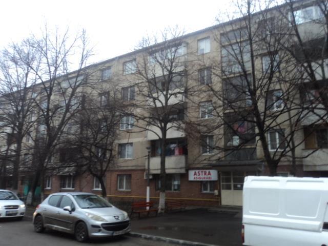 Imobil situat in Turnu Magurele, str. 1907, bl. C10, sc. D, ap. 61, parter - 1/3