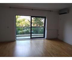 Apartament 6 camere, 211 mp, gradina si loc parcare subteran Complex Emerald