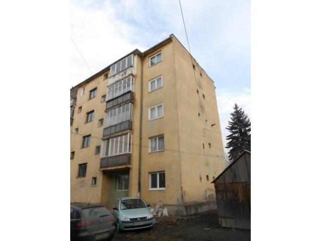 Imobil situat in Gheorgheni, Cartier Florilor, bloc 39, sc. A, ap. 3, parter, jud. Harghita. - 1/2