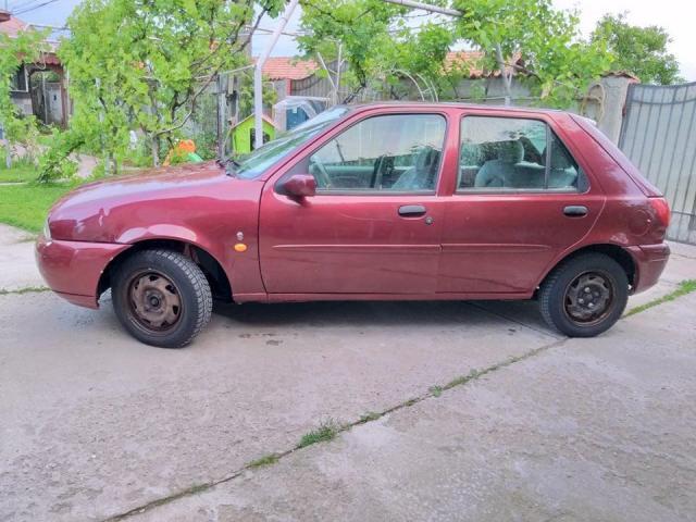 Ford Fiesta - 2/3