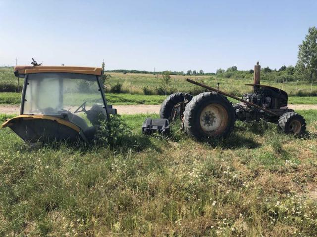Lichidator judiciar vand Tractor Renault 325 - 1/5