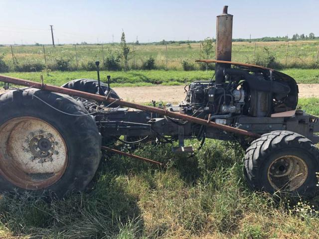 Lichidator judiciar vand Tractor Renault 325 - 4/5