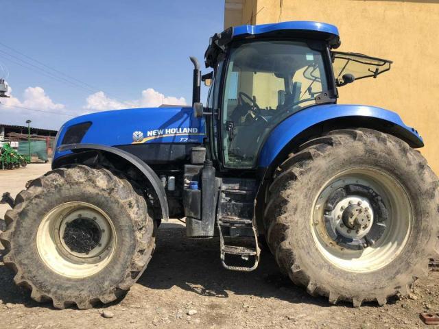 Lichidator judiciar vand Tractor New Holland T7260 T4 - 1/4