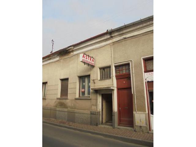 Casa si teren aferent situata in Municipiul Oradea, zona ultracentrala, str. Ady Endre, nr.9 - 1/1