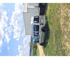 Pachet compus din 17 autoutilitare, camioane şi autoturisme
