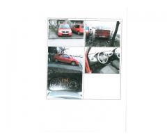Ford Mondeo si doua Dacia Logan