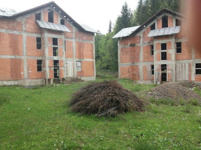 5 Vile nefinalizate si teren 5.708 mp Dorna-Arini - 3/5