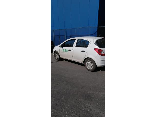 Autoturism Opel Corsa - 1/3