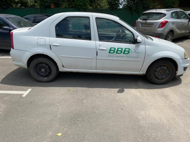 Autoturism Dacia Logan - 2/3