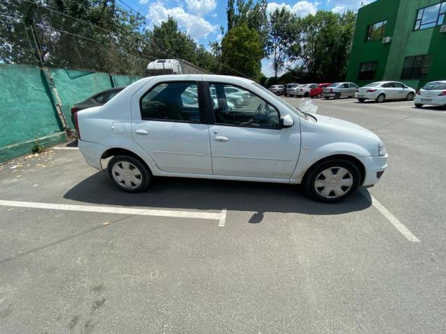 Autoturism Dacia Logan - 1/3
