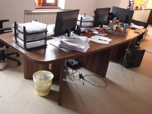 Lichidator judiciar, vand  stoc echipamente IT şi elemente de mobilier - 4/8