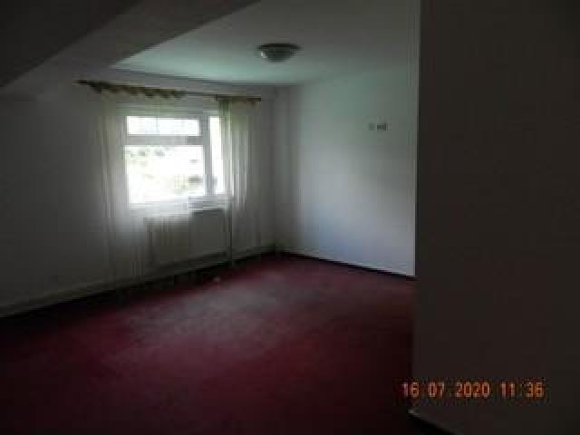 Licitație vânzare apartamente 3 camere în Mihăilești, jud. Giurgiu - 2/10
