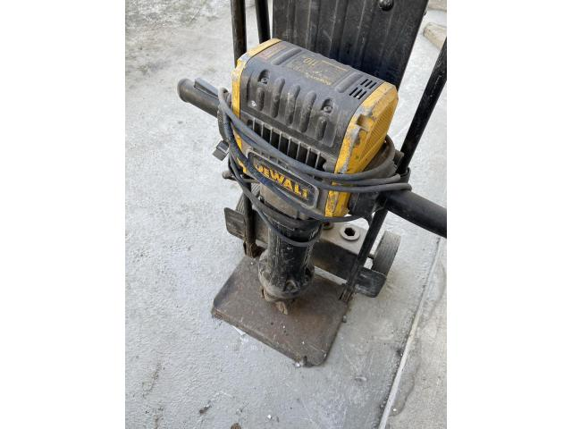 Ciocan demolator DeWALT 2100W - 4/4