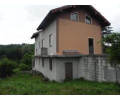 Casa si teren Bujoreni, Valcea